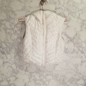 Lululemon White Quilted Cropped Puffer Vest